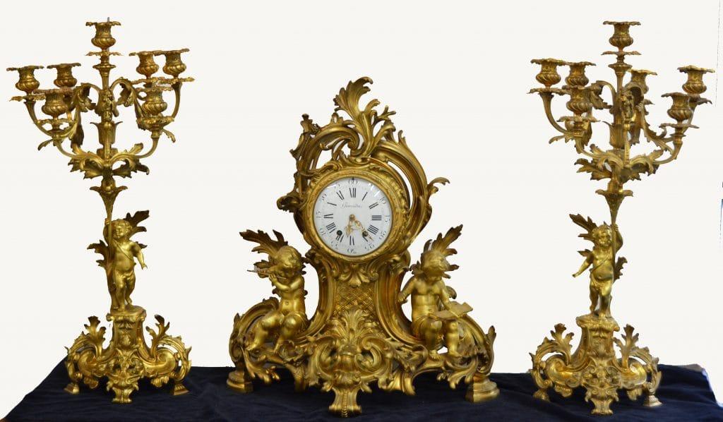 19. századi Francia kandalló óra két gyertyatartóval